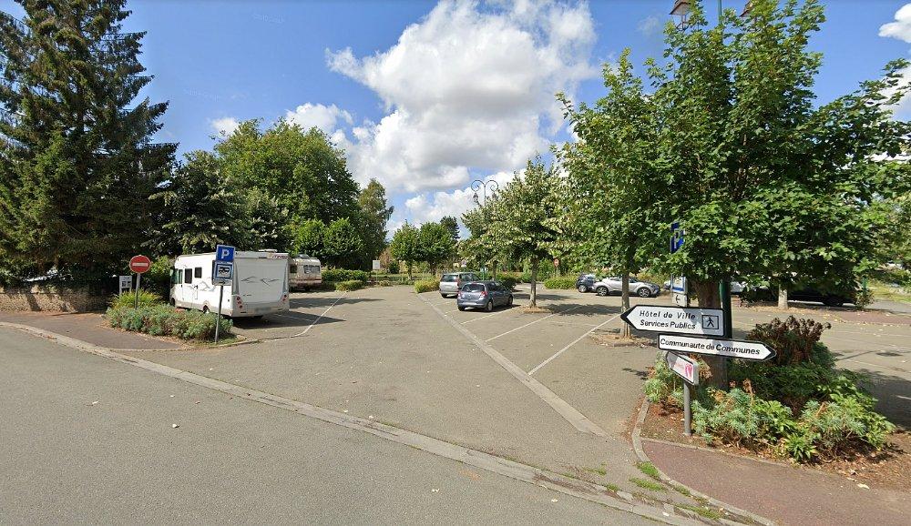 Aire camping-car à RUGLES (27250) - Photo 1